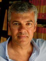 Ian Darling headshot